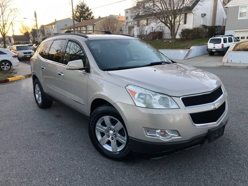 2009 Chevrolet Traverse for sale at Giordano Auto Sales in Hasbrouck Heights NJ