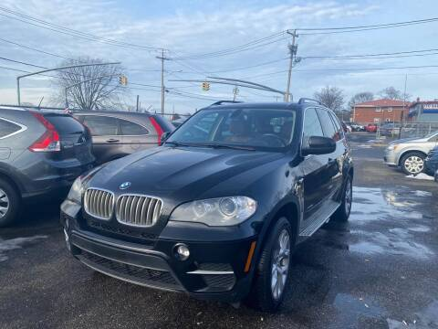 2013 BMW X5 for sale at American Best Auto Sales in Uniondale NY