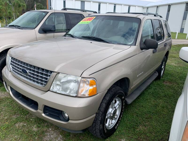 2004 Ford Explorer for sale at EXECUTIVE CAR SALES LLC in North Fort Myers FL