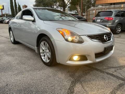 2013 Nissan Altima for sale at AWESOME CARS LLC in Austin TX
