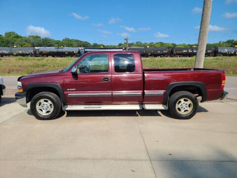 1999 Chevrolet Silverado 1500 for sale at J & J Auto Sales in Sioux City IA