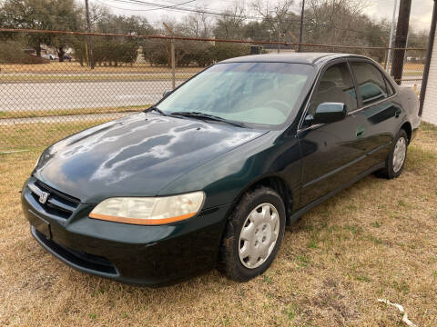 2000 Honda Accord for sale at Discount Auto Mart LLC in Houston TX