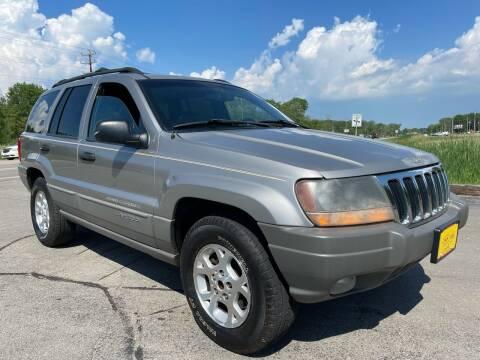 2000 Jeep Grand Cherokee for sale at Sunshine Auto Sales in Menasha WI