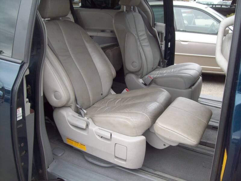 2011 Toyota Sienna AWD XLE 7-Passenger 4dr Mini-Van - Milford NH
