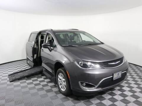 2020 Chrysler Pacifica for sale at AMS Vans in Tucker GA