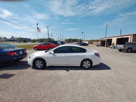 2008 Nissan Altima for sale at BIG 7 USED CARS INC in League City TX