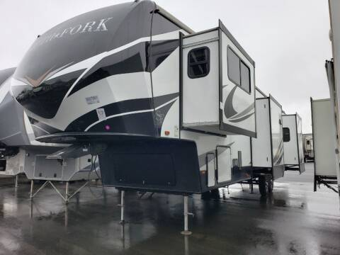 2020 Cruiser RV South Fork 3760FLML
