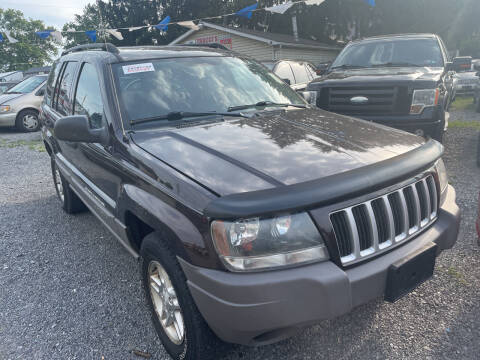 2004 Jeep Grand Cherokee for sale at Trocci's Auto Sales in West Pittsburg PA