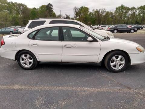 2003 Ford Taurus for sale at AFFORDABLE DISCOUNT AUTO in Humboldt TN