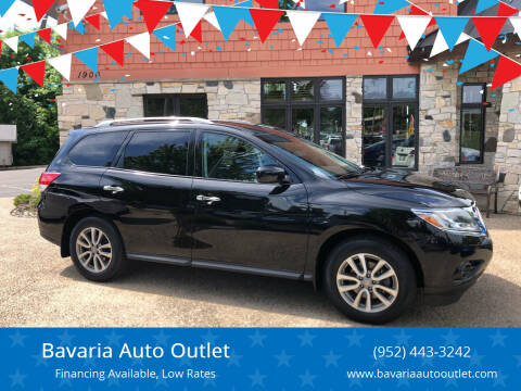 2014 Nissan Pathfinder for sale at Bavaria Auto Outlet in Victoria MN