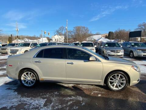 2009 Chevrolet Malibu for sale at RIVERSIDE AUTO SALES in Sioux City IA