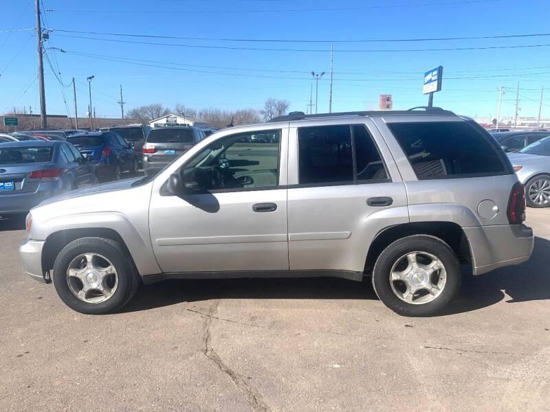 2006 Chevrolet TrailBlazer for sale at Iowa Auto Sales, Inc in Sioux City IA