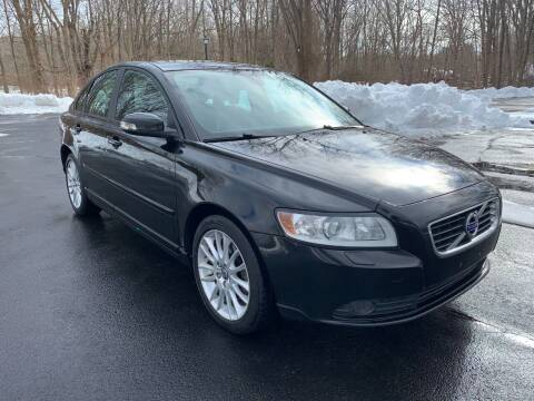 2011 Volvo S40 for sale at Volpe Preowned in North Branford CT