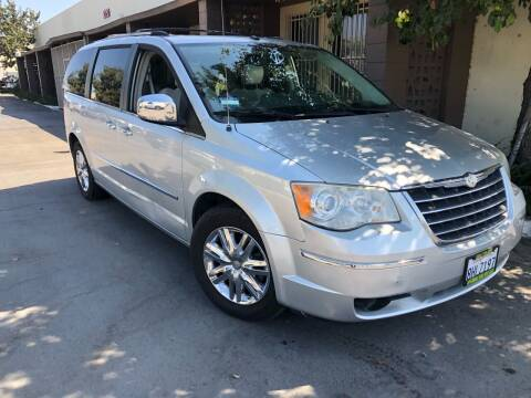 2008 Chrysler Town and Country for sale at AllanteAuto.com in Santa Ana CA