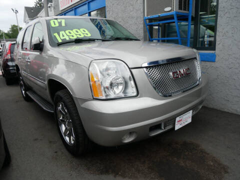 2007 GMC Yukon for sale at M & R Auto Sales INC. in North Plainfield NJ