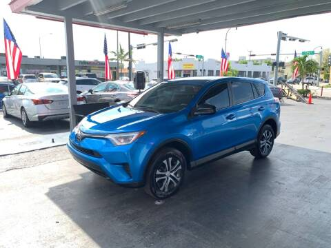 2018 Toyota RAV4 for sale at American Auto Sales in Hialeah FL