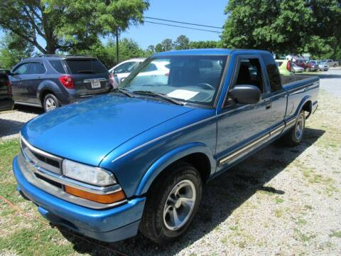 2001 Chevrolet S-10 for sale at Dallas Auto Mart in Dallas GA