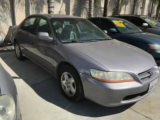 2000 Honda Accord for sale at GreenLight  Auto Sales in Modesto CA