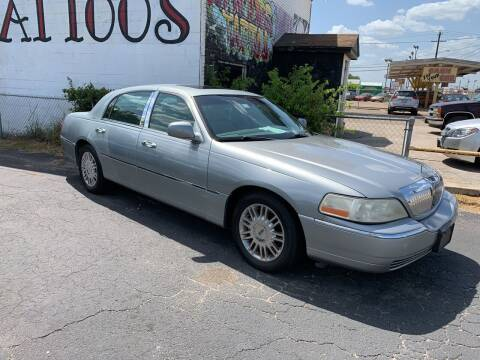2006 Lincoln Town Car for sale at Elliott Autos in Killeen TX