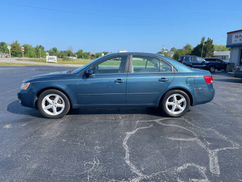 2007 Hyundai Sonata for sale at ROWE'S QUALITY CARS INC in Bridgeton NC