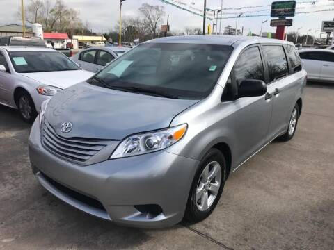 2015 Toyota Sienna for sale at Pasadena Auto Planet in Houston TX