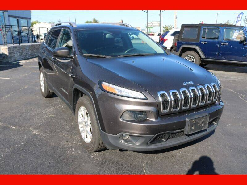 2018 Jeep Cherokee for sale at AUTO POINT USED CARS in Rosedale MD