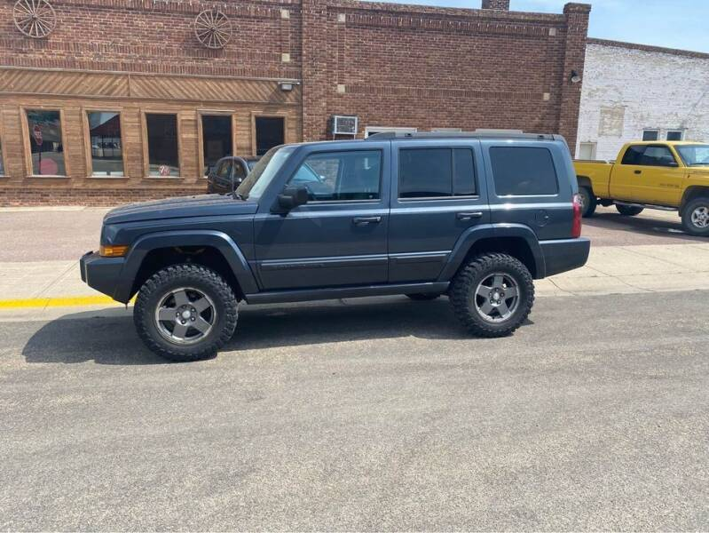 2007 Jeep Commander for sale at Car Corral in Tyler MN
