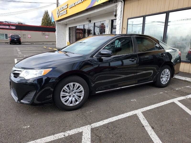 2014 Toyota Camry for sale at Ron's Auto Sales in Hillsboro OR