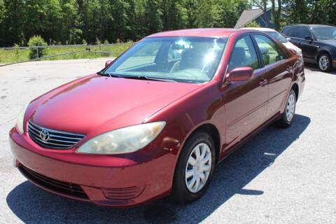 2005 Toyota Camry for sale at UpCountry Motors in Taylors SC