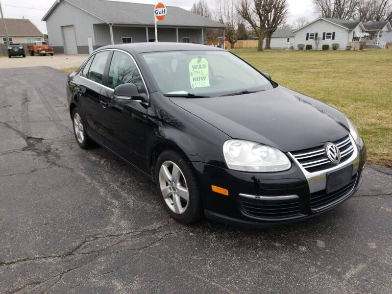 2009 Volkswagen Jetta for sale at CALDERONE CAR & TRUCK in Whiteland IN