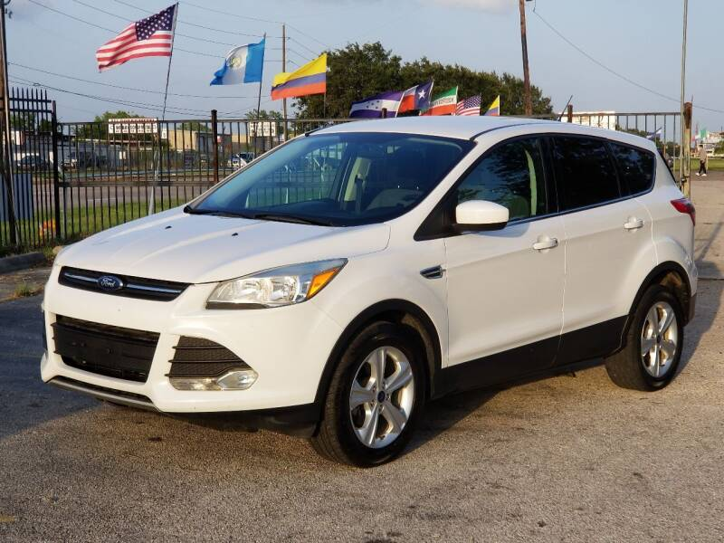 2015 Ford Escape for sale at ACE AUTOMOTIVE in Houston TX