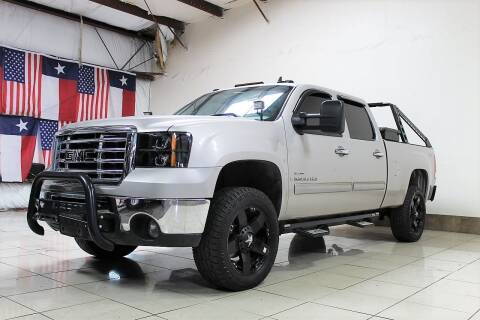 2007 GMC Sierra 2500HD for sale at ROADSTERS AUTO in Houston TX