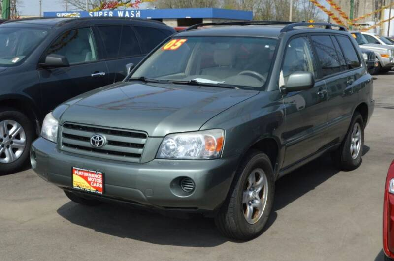 2005 Toyota Highlander for sale at Performance Motor Cars in Washington Court House OH