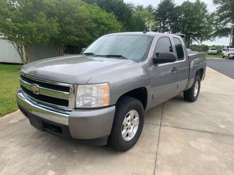 2008 Chevrolet Silverado 1500 for sale at Getsinger's Used Cars in Anderson SC