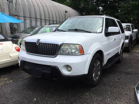 2003 Lincoln Navigator for sale at Drive Deleon in Yonkers NY