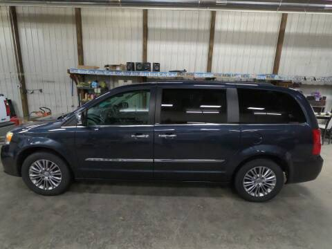 2013 Chrysler Town and Country for sale at Alpha Auto - Mitchell in Mitchel SD