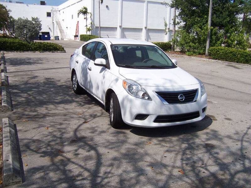 2013 Nissan Versa for sale at Auto Credit & Finance Corp. in Miami FL