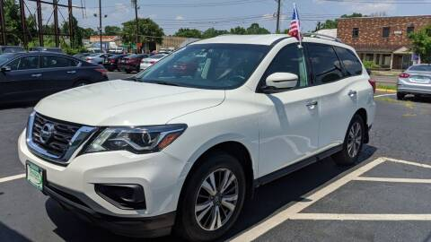2017 Nissan Pathfinder for sale at Shaddai Auto Sales in Whitehall OH