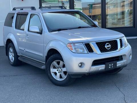 2012 Nissan Pathfinder for sale at MAGIC AUTO SALES in Little Ferry NJ