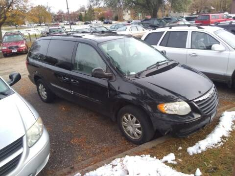 2007 Chrysler Town and Country for sale at Continental Auto Sales in White Bear Lake MN