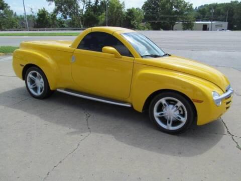 2004 Chevrolet SSR for sale at tazewellauto.com - HarrogateAuto.com in Harrogate TN