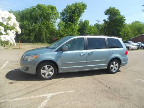 2010 Volkswagen Routan for sale at Mark's Sales and Service in Schoolcraft MI