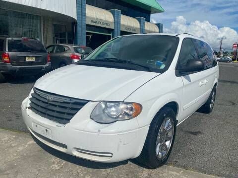 2006 Chrysler Town and Country for sale at MFT Auction in Lodi NJ