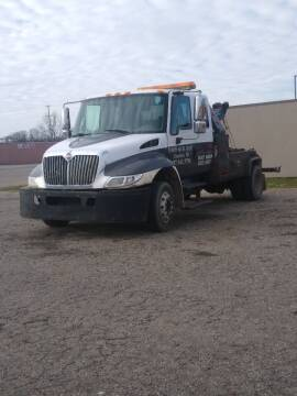 2003 International DuraStar 4300 for sale at Davis Auto Mart in Charlotte MI
