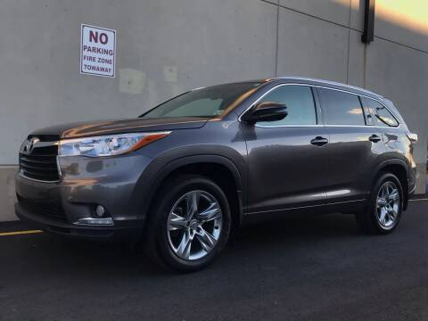 2015 Toyota Highlander for sale at International Auto Sales in Hasbrouck Heights NJ