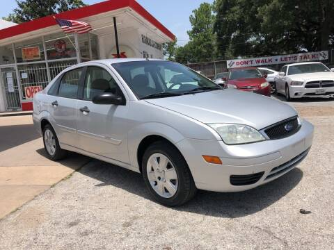 2007 Ford Focus for sale at Richmond Car Co in Richmond TX