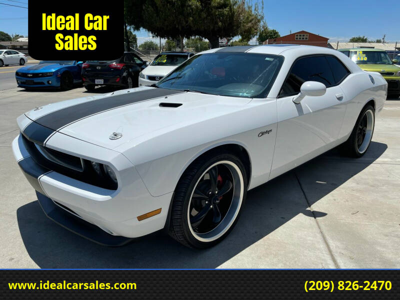 2013 Dodge Challenger for sale at Ideal Car Sales in Los Banos CA