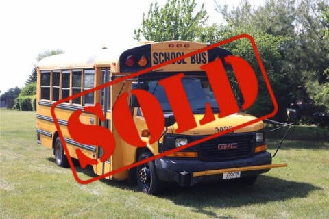 2010 GMC Savana Cutaway for sale at Signature Truck Center in Crystal Lake IL