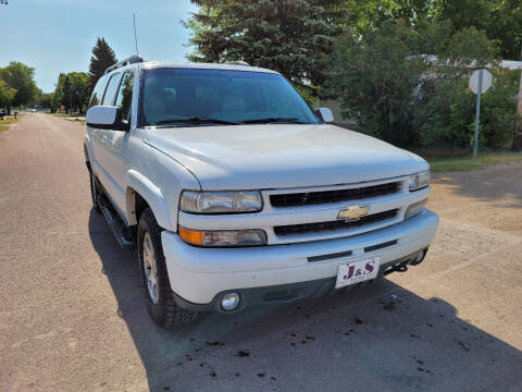 2002 Chevrolet Suburban for sale at J & S Auto Sales in Thompson ND