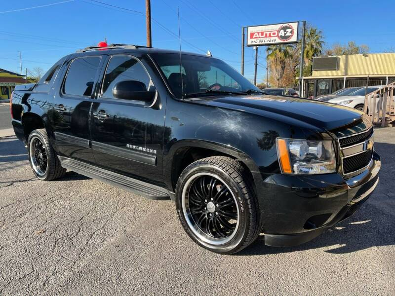 2011 Chevrolet Avalanche for sale at Auto A to Z / General McMullen in San Antonio TX